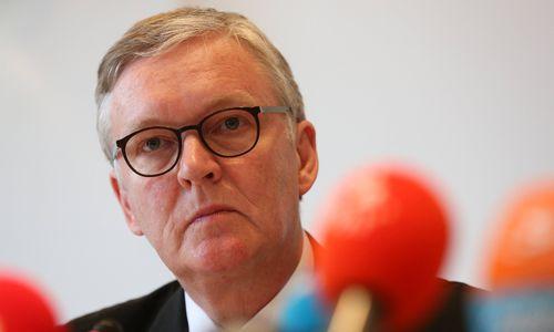 """Air Berlin-Chef: """"Wöhrl-Angebot halte ich für einen PR-Gag"""""""