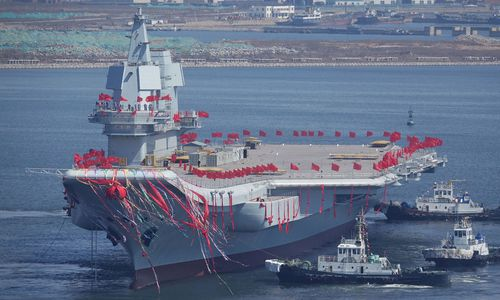 Aufrüstung: Chinas erster eigener Flugzeugträger