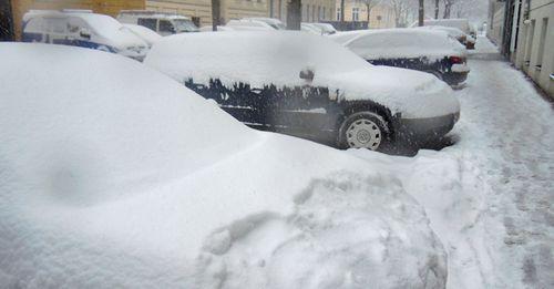In der Früh hieß es in Wien: Auto freischaufeln
