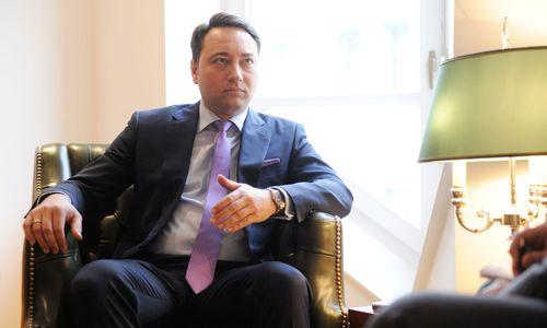 Haimbuchner nach Corona-Erkrankung zurück im Amt