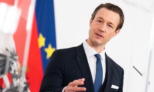 Opposition bringt Ministeranklage gegen Blümel auf den Weg