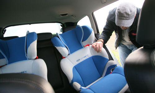 Deutsches Bundesamt warnt vor Isofix-Gurten für Kindersitze