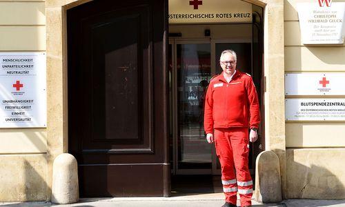 Rotes Kreuz beriet Regierung um 100.000 Euro monatlich