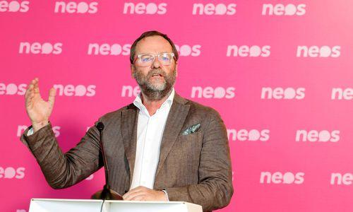 Neos-Mandatar Schellhorn zieht sich aus der Politik zurück