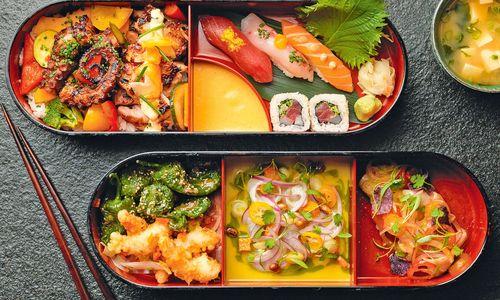 Farbenfroh. Im Chotto Matte in London sieht die Sushi-Bentobox etwas anders aus: mit Zwiebeln und Chilis, Pimientos de Padrón und frischem Koriander.