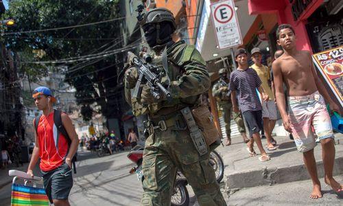 """""""Alle in Angst"""": Militär besetzte größte Favela in Rio"""
