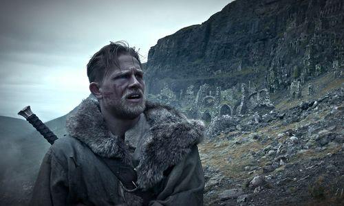 """Neu im Kino: Ein kleiner Überflieger, Guy Ritchies """"King Arthur"""" und eine Doku, die Mut macht"""