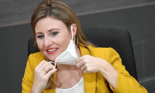 Familienministerin Raab ist schwanger