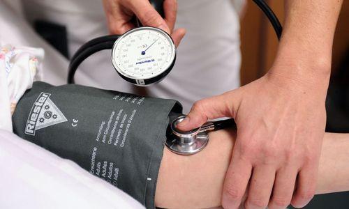 Minister legt Ländern Fahrplan für Pflege-Reform vor