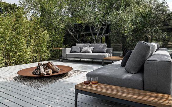 m bel f r drau en schaufenster. Black Bedroom Furniture Sets. Home Design Ideas