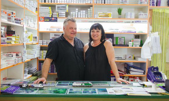 Elisabeth Kroch betreibt mit ihrem Ehemann, Peter Reckzügel, Tinas Modelleisenbahn im zwölften Bezirk. Die Leidenschaft für die Miniaturbahnen teilen sie.