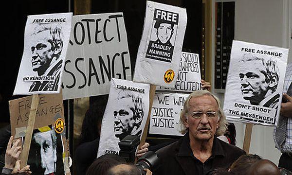 Demo für Assange / Bild: AP