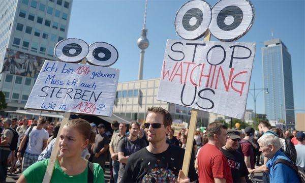 Die Demo in Berlin / Bild: EPA/RAINER JENSEN