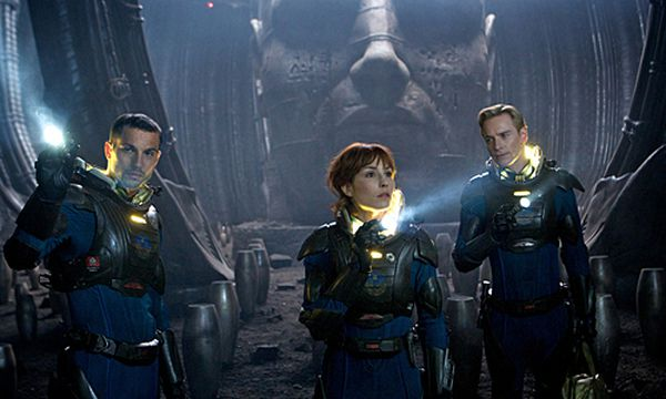 Logan Marshall-Green, Noomi Rapace und Michael Fassbender in ''Prometheus'' / Bild: (c) Centfox