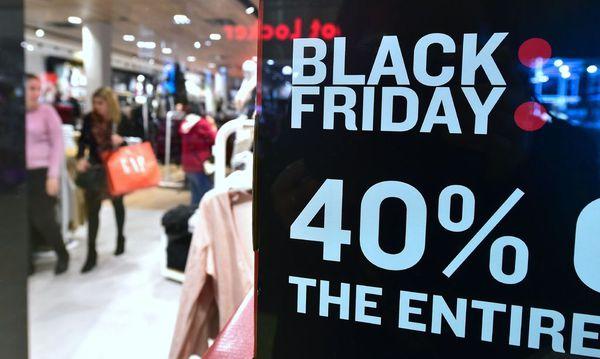 """US-Kunden öffneten bereits vor dem """"Black Friday"""" ihe Geldbörsen. / Bild: (c) APA/AFP/FREDERIC J. BROWN"""