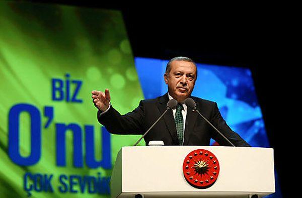 Erdoğan klagt erneut / Bild: Reuters