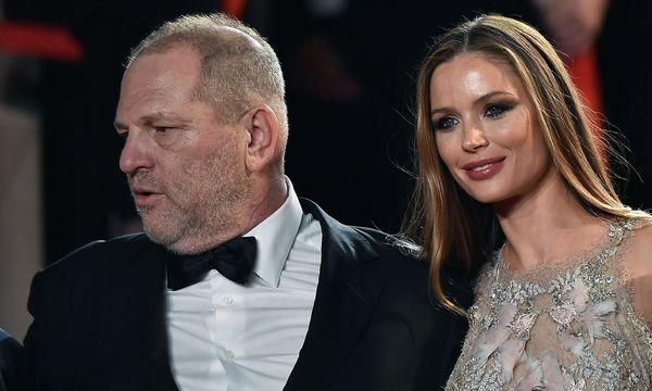 Weinstein mit seiner Ehefrau: Er produzierte viele Oscar-prämierte Filme. / Bild: APA/AFP/ALBERTO PIZZOLI