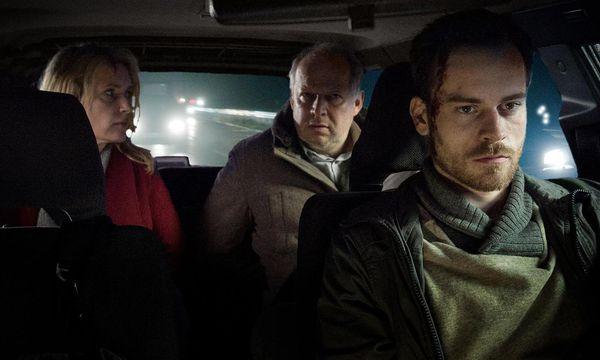 Charlotte Lindholm und Klaus Borowski ermitteln in der Jubiläumsfolge. / Bild: (c) NDR/Meyerbroeker
