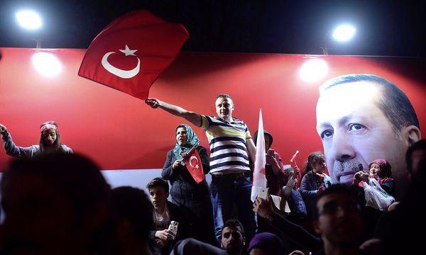Anhänger des türkischen Präsidenten. / Bild: REUTERS