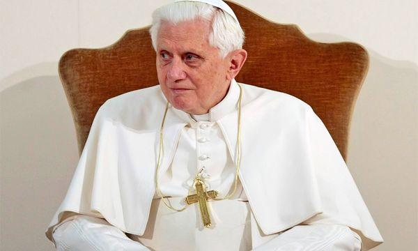 Papst Benedikt / Bild: (AP Photo/Gregorio Borgia, Pool)