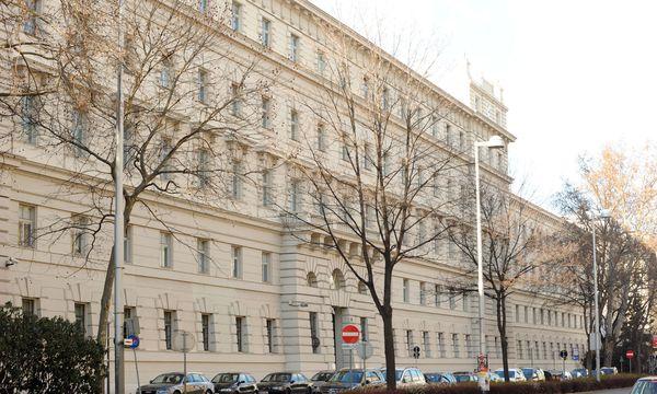 Landesgericht für Strafsachen in Wien, im Volksmund ''Graues Haus'', Schauplatz des Buwog-Prozesses / Bild: Die Presse