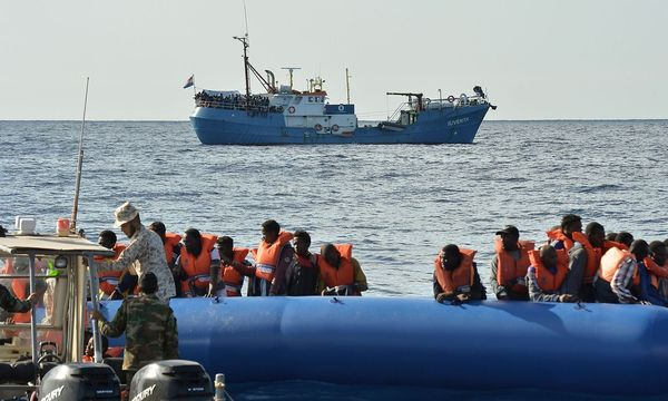 """Die """"Iuventa"""" wurde beschlagnahmt. / Bild: APA/AFP/ANDREAS SOLARO"""