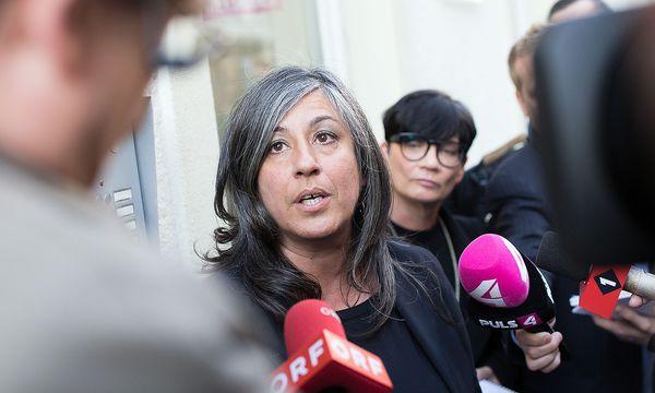 """Vor Beginn der Krisensitzung hatte die Vizebürgermeisterin  betont, sie wolle """"Klarheit schaffen"""". / Bild: APA/GEORG HOCHMUTH"""