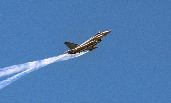 Symbolbild Eurofighter.  / Bild: (c) imago/Sven Lambert