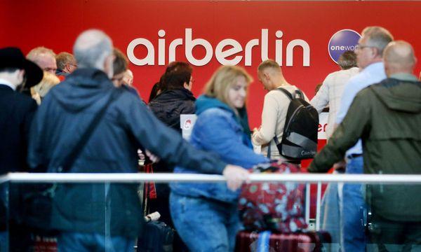 Zahlreiche Passagiere konnten nicht einchecken.  / Bild: APA/dpa/Roland Weihrauch