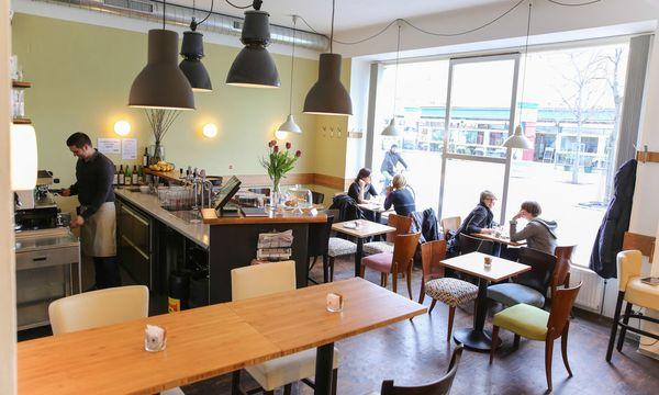 Café Cay am Yppenplatz. / Bild: (c) Stanislav Jenis