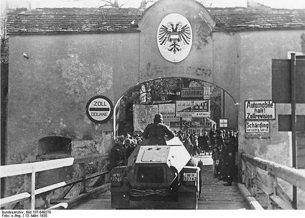 Über den Inn nach Österreich / Bild: Bundesarchiv