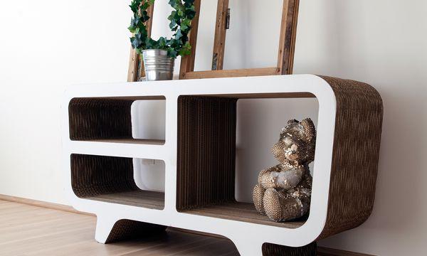 (c) Carolina Frank Geschichtet. Leichte Kartonmöbel lassen sich in der gewünschten Form produzieren.
