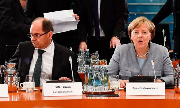 Landwirtschaftsminister Schmidt wiegelt die SPD gegen sich auf. / Bild: APA/AFP/JOHN MACDOUGALL