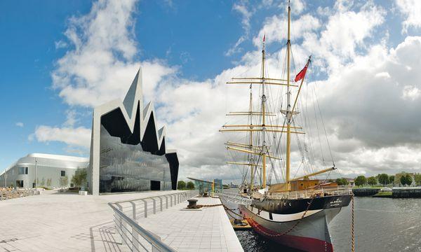 (c) Culture and Sport Glasgow Landeplatz. Das Riverside Museum  (Zaha Hadid Architects) gehört zu den Fixpunkten einer Citytour.
