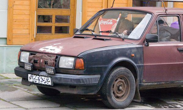 Altes Auto / Bild: (c) www.BilderBox.com (www.BilderBox.com)