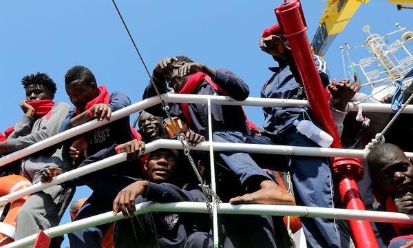 Kurz ist überzeugt, dass Italien den Fährenbetrieb einstellen wird. / Bild: REUTERS/Stefano Rellandini