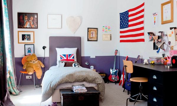 (c) Beigestellt Cooles Kinderzimmer. Spielzeug kommt in Kästen, Truhen, Kommoden, Körbe.