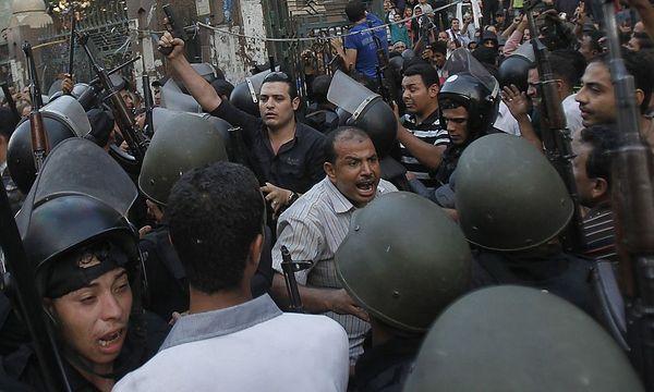 Kein Ende der Gewalt in Sicht. Anhänger von Präsident Mursi kündigen neue Proteste an. / Bild: (c) REUTERS/Amr Abdallah Dalsh