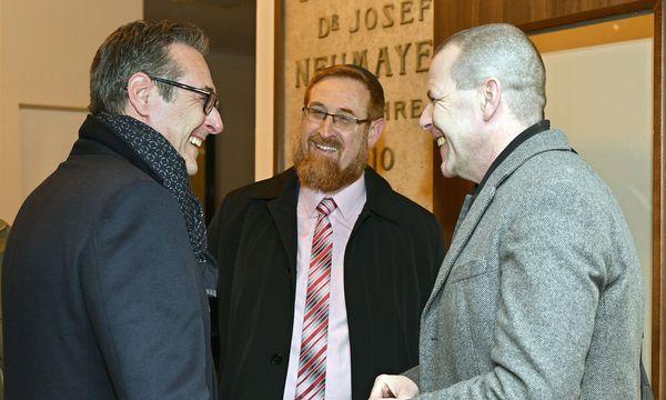 Strache (l.) und Vilimsky (r.) trafen zufällig vor dem FPÖ-Bundesparteivorstand auf Glick (Mitte). / Bild: APA/HANS PUNZ