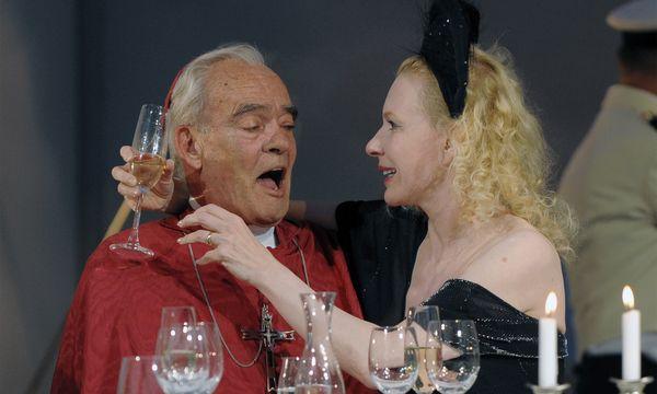 Rehberg als 'Kardinal' und Sunnyi Melles als 'Millionärin' in 'Immanuel Kant', 2009 im Wiener Burgtheater. / Bild: (c) APA