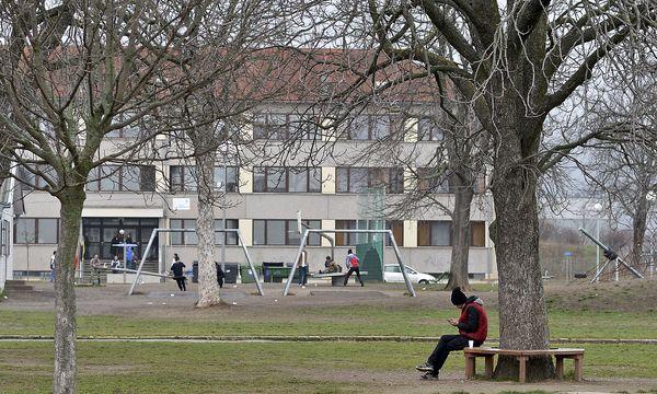 Das Ex-Erstaufnahmezentrum Traiskirchen, Niederösterreich, war vor allem während der Flüchtlingskrise überfüllt. / Bild: (c) APA/HERBERT NEUBAUER (HERBERT NEUBAUER)