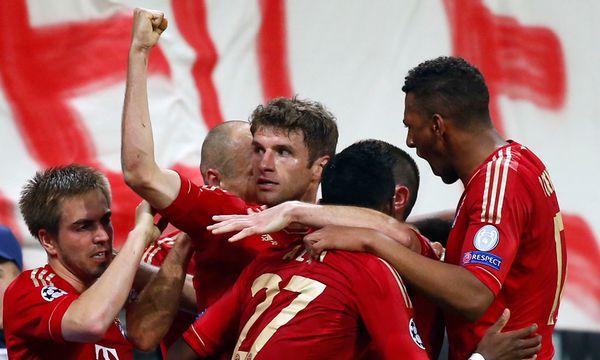Bayern-Spieler jubeln / Bild: REUTERS/Michaela Rehle