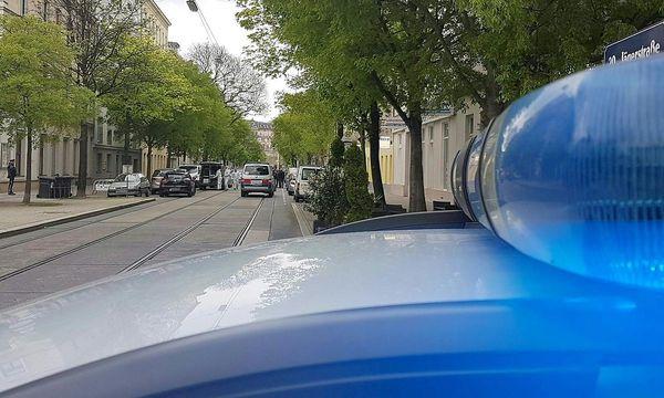 Der abgesperrte Tatort am Sonntag / Bild: APA/HERBERT P. OCZERET