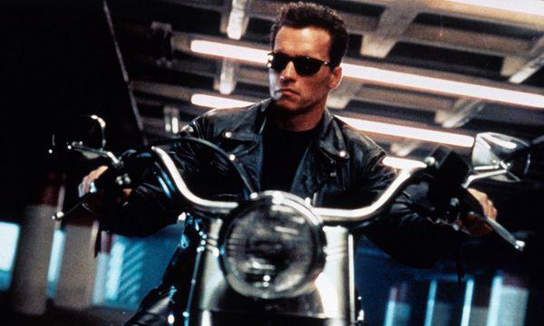 "Die personifizierte Coolness:  Schwarzenegger in ""Terminator 2"". / Bild: (c) imago stock&people (imago stock&people)"