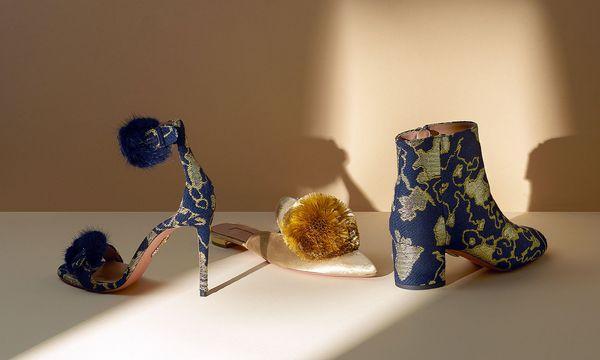 """(c) Beigestellt Festliche Füße. Die Capsule Collection """"Woman in Gold"""" ist auf mytheresa.com  erhältlich."""