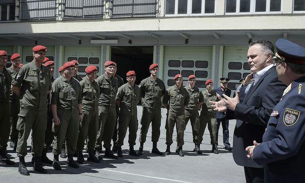 """Doskozil fordert eine """"Balkan-Grenzschutzoffensive"""". / Bild: APA/HBF/PUSCH"""