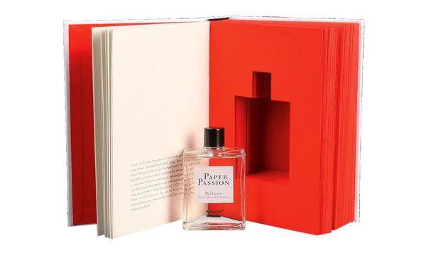 (c) Beigestellt Im Auftrag des Kunstbuchverlages Steidl interpretierte Geza Schön den Geruch von Papier parfumistisch.