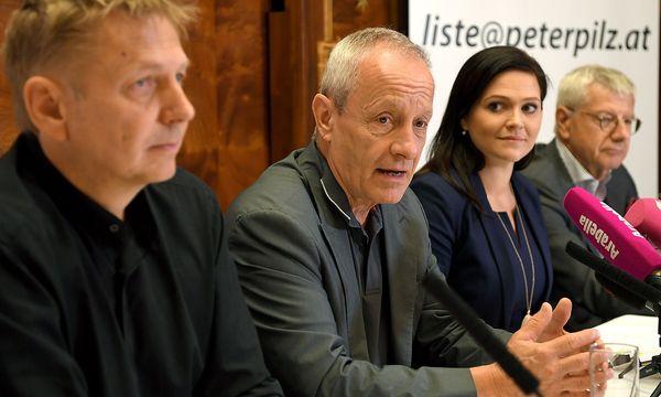 Peter Pilz (2.v.li.) stellt nach und nach seine Kandidaten vor. / Bild: APA/ROLAND SCHLAGER