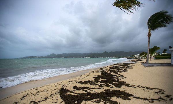 Auf St. Martin sind bisher nur Ausläufer des Hurrikans angekommen. / Bild: APA/AFP/LIONEL CHAMOISEAU