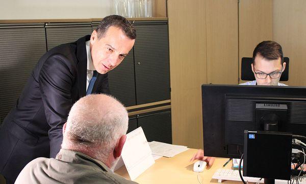 Medientermin beim Arbeitsmarktservice / Bild: Die Presse (Stefanie Kompatscher)